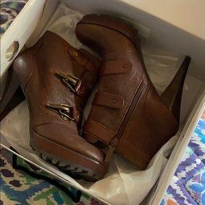 Nine West Brown leather Desponia booties